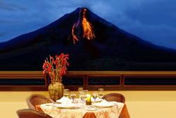 Costa Rica Ciudad y Volcán - La Silla Tours